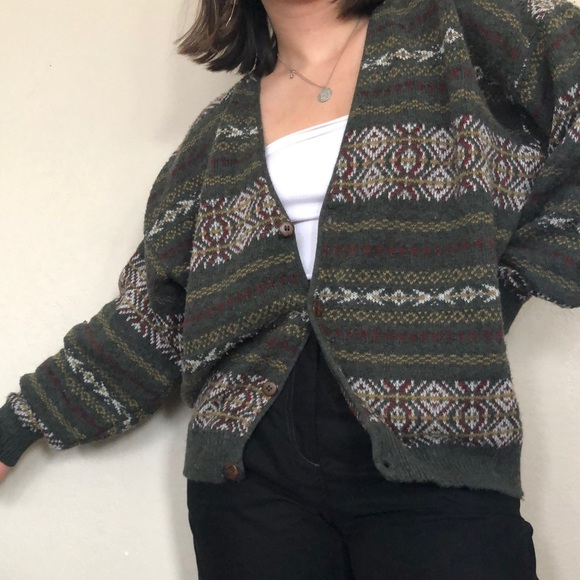 SOLD Vintage sweater